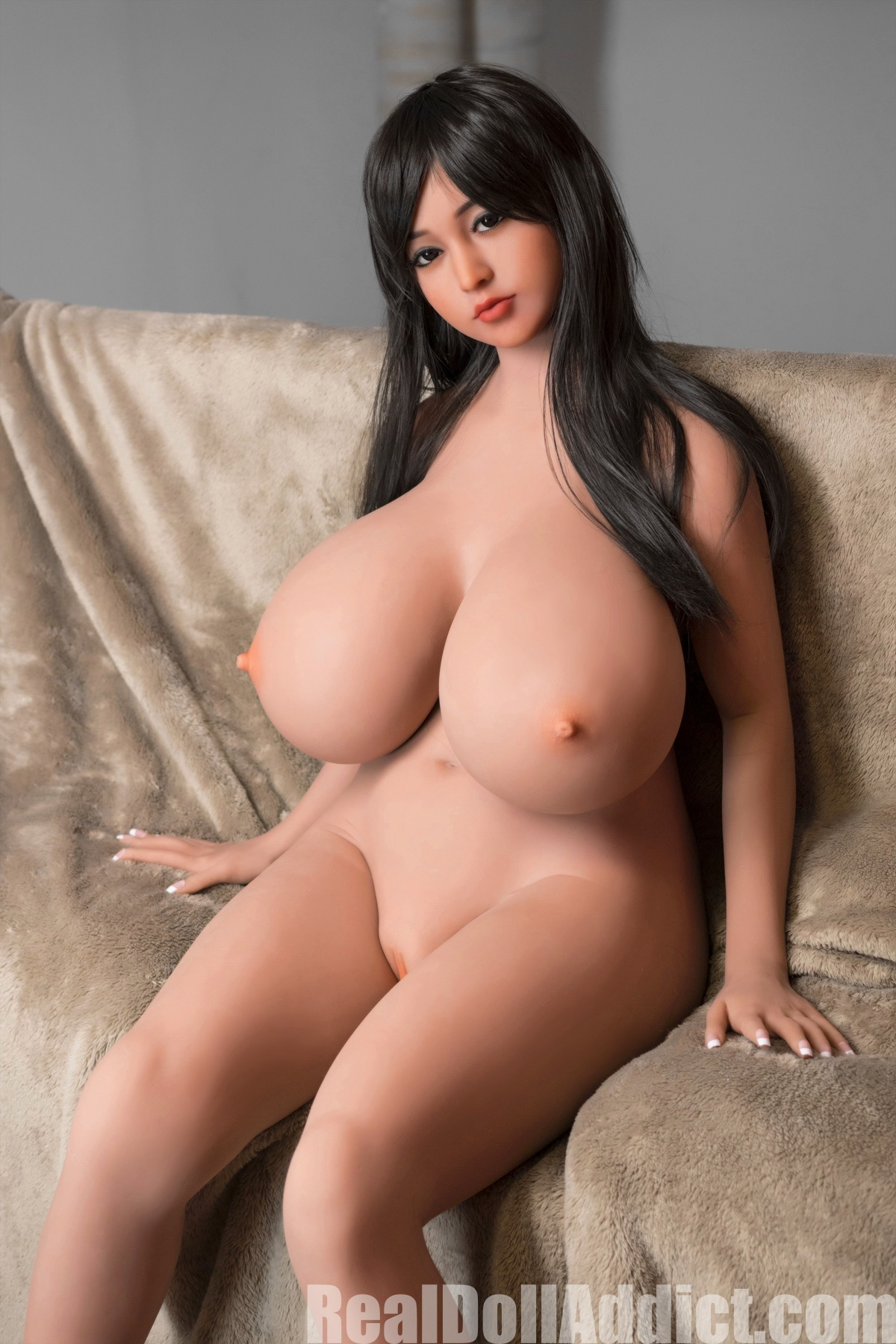 New Huge Boobs is Naked -Real Doll Addict